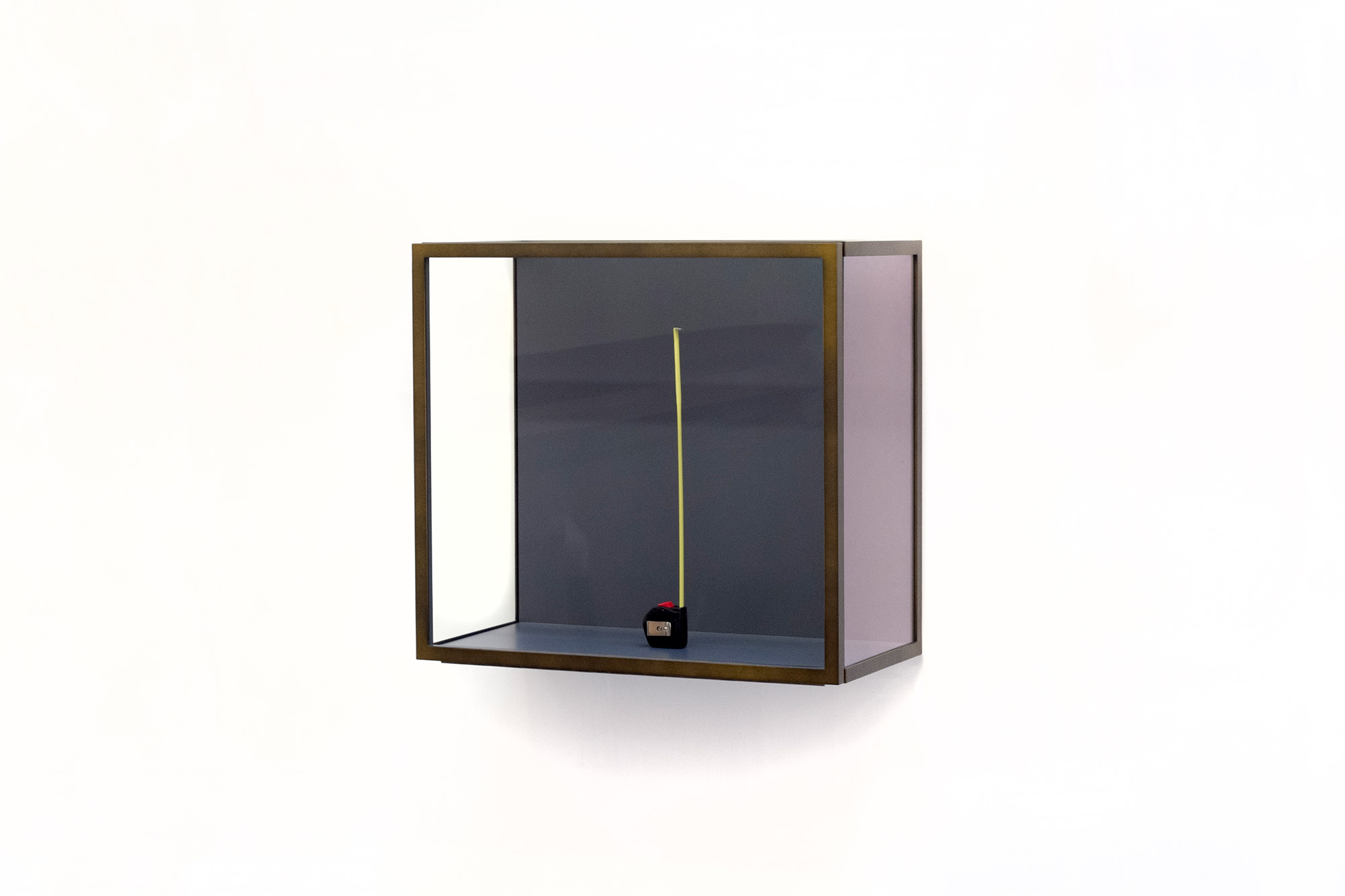 187 Museum Glass Cabinet With Magnetic Door